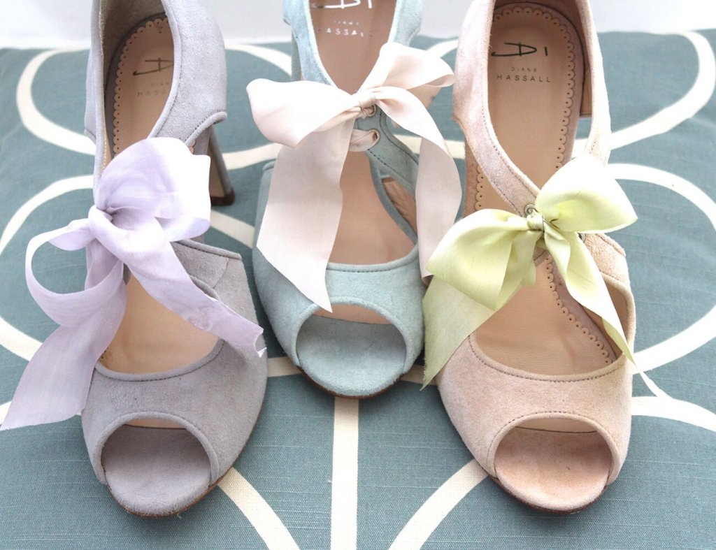 Wonderful Waterlily in grey, blue and blush - perfect for Mothers-of-the-Bride